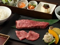 厚切り赤身肉と牛タンの市場御膳 1,800円