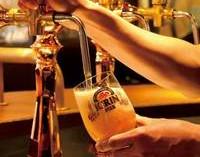 社内認定資格 ビアマイスターにより注がれるご馳走ビール