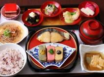 生麩、湯葉、豆冨など「京都のうまいもん」が詰まった京三昧御膳(ランチ)